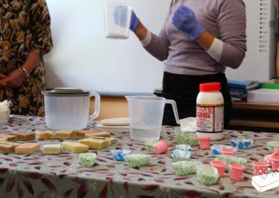 Dimostrazione della manifattura di sapone