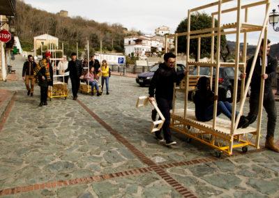 Trasporto delle strutture costruire nella piazza